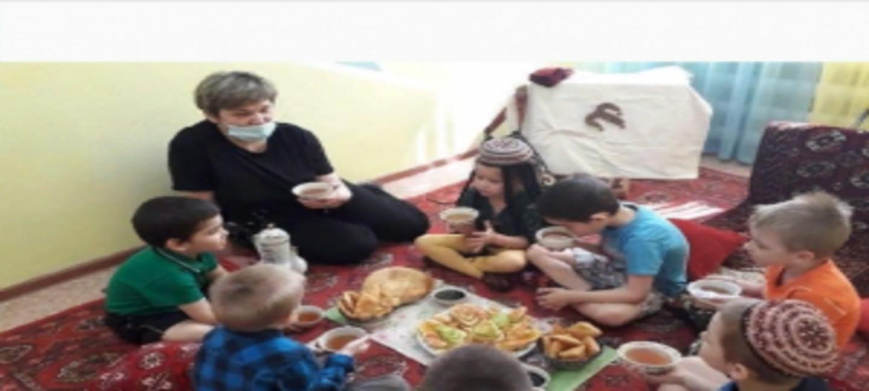 Дети из приюта в Бугульме посетили импровизированную туркменскую юрту